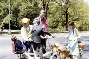 Salinger in Central Park with Erik and Lillian Ross and with his children, Peggy and Matthew. Photo (c) The New Yorker, from the collection of Lillian Ross.